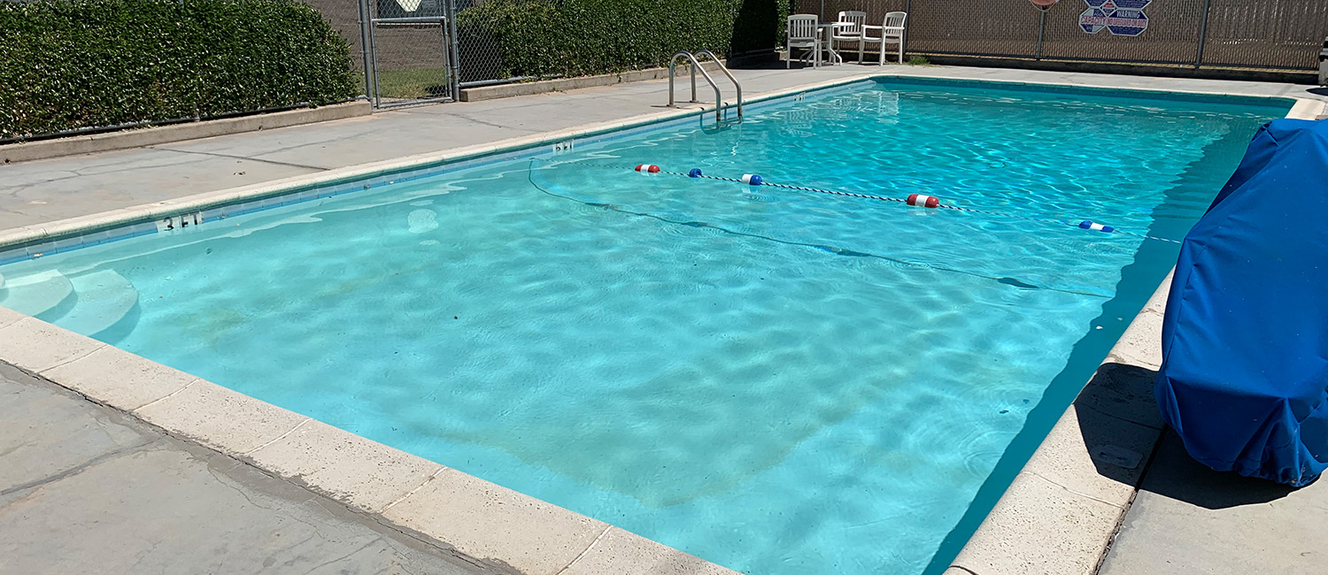 RELAX BY THE POOL, OR ENJOY A PICNIC AT OUR PASO ROBLES HOTEL